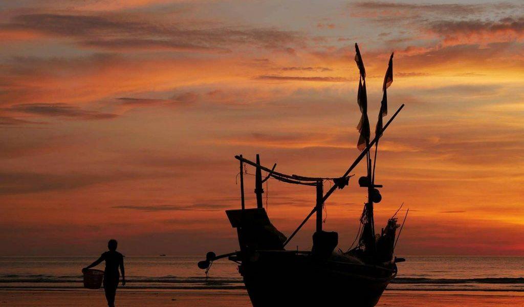 Down to Dawei - boat on beach - Dawei - Sampan Travel