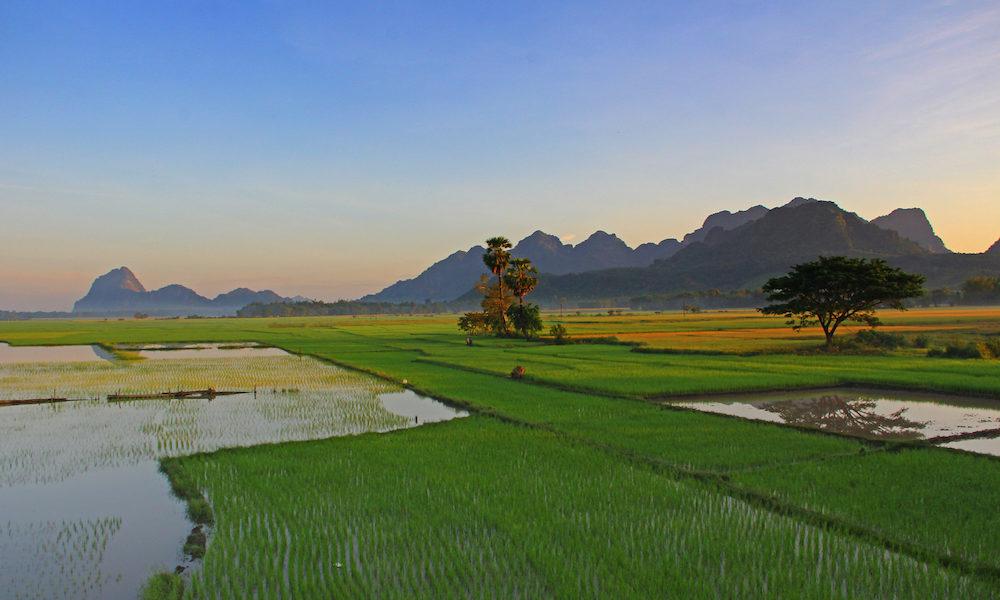 Hpa-An - Hpa-An landscape - Karen State - Sampan Travel