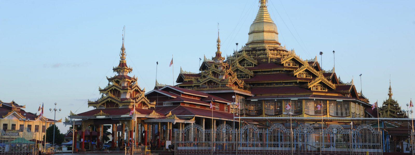 Phaung Daw Oo Pagoda - Phaung Daw Oo Pagoda Festival - Inle Lake - Sampan Travel